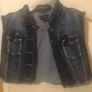 New Look Brand Womens Sleeveless Jean Jacket.